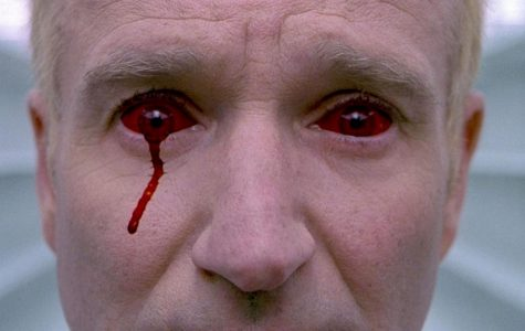 "Underrated Movie: Robin Williams creeps out audiences in ""One Hour Photo"""