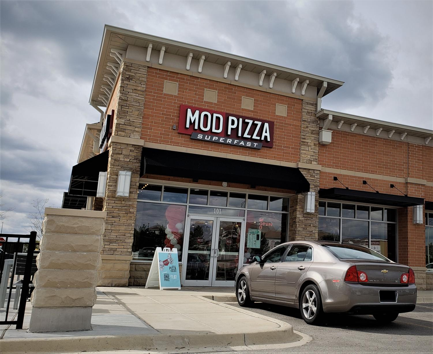 Mod Pizza in Elgin, right off of Randall Road