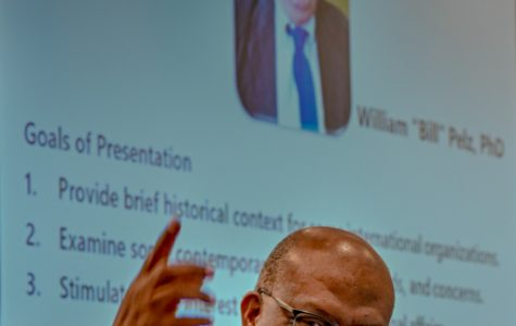 Dr. Sam speaks at Pelz Global Speaker Series