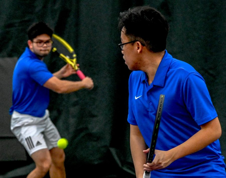 Spartans+men%27s+singles+and+doubles+action+at+indoor+match.