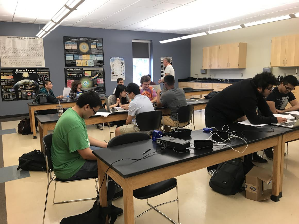 Students at ECC taking a class under the instruction of Associate Professor of Physics Ted Eltzroth