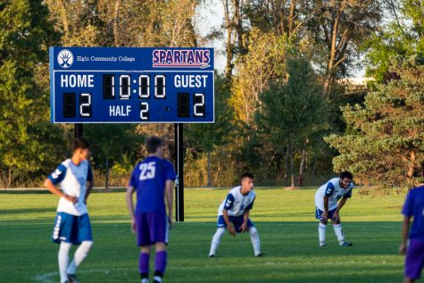 Men's soccer loses home game against Moraine Valley Community College