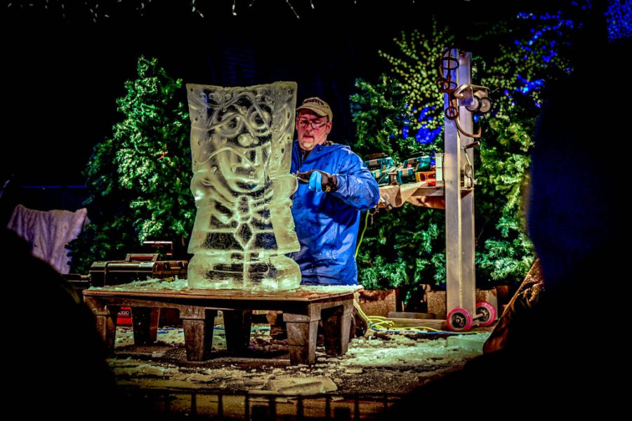 ECC%27s+Patrick+Stewart+displays+ice+carving+at+the+Lincoln+Park+Zoolights+festival.+His+ice+carving+class+is+offered+by+the+ECC+Culinary+School.